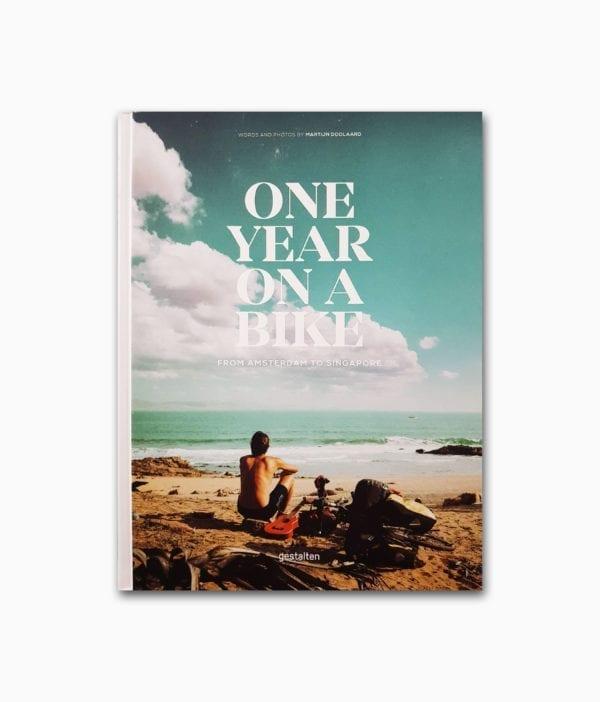 Cover des Fahrrad Buches namens One Year on a Bike aus dem gestalten Verlag