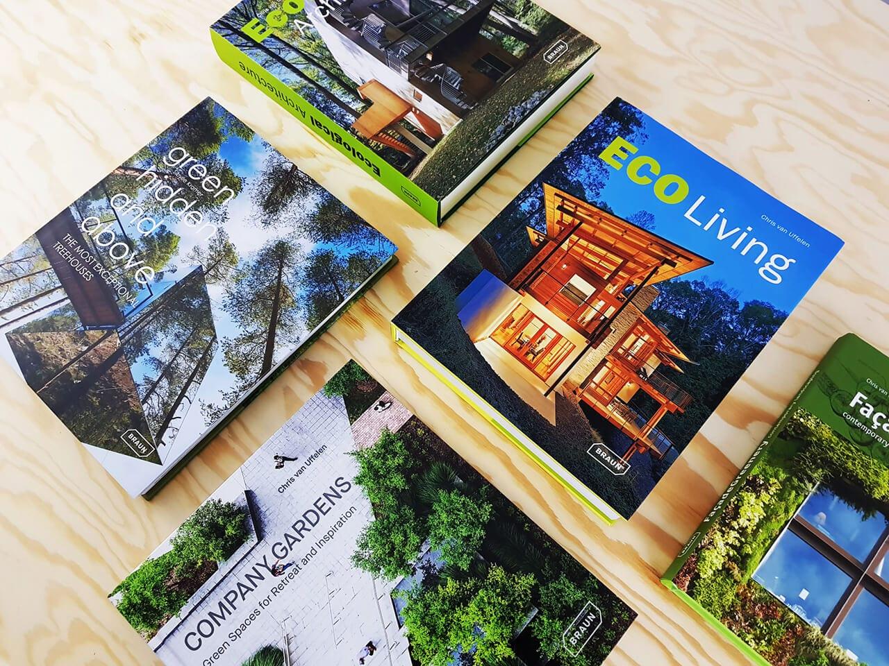 Braun Publishing Bücher liegend