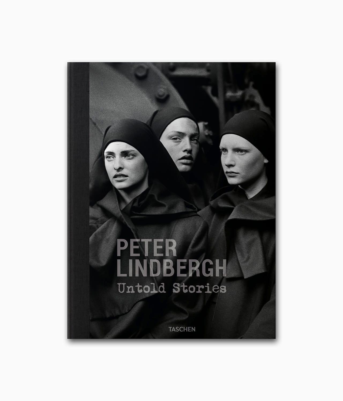Cover eines Buches über einen berühmten Fotografen namens Peter Lindbergh Untold Stories vom TASCHEN Verlag