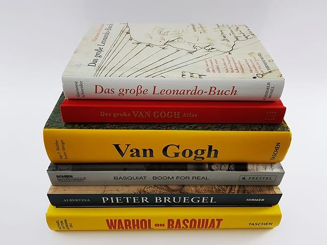 Bücher und Bildbände über berühmte Künstler