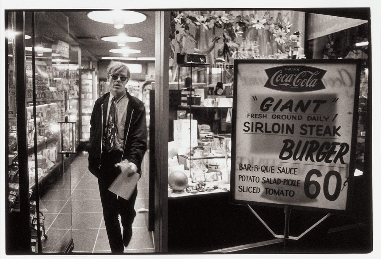 Foto von Andy Warhol aus dem Buch Andy Warhol Giant Size Phaidon Verlag Warhol in NY Foto aus dem Buch