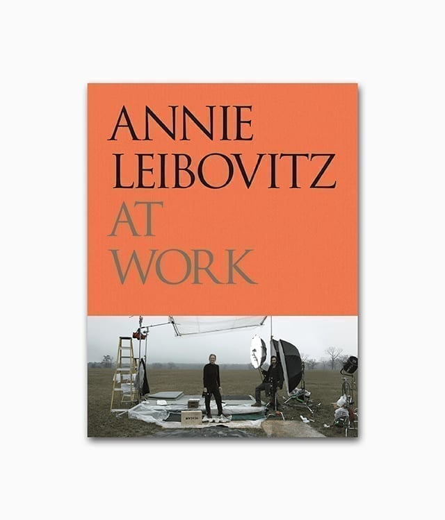 Cover des Fotografie Buches über die berühmte Fotografin Annie Leibovitz At Work vom Phaidon Verlag
