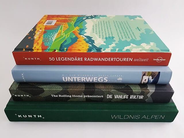 Kunth Verlag Buchstapel