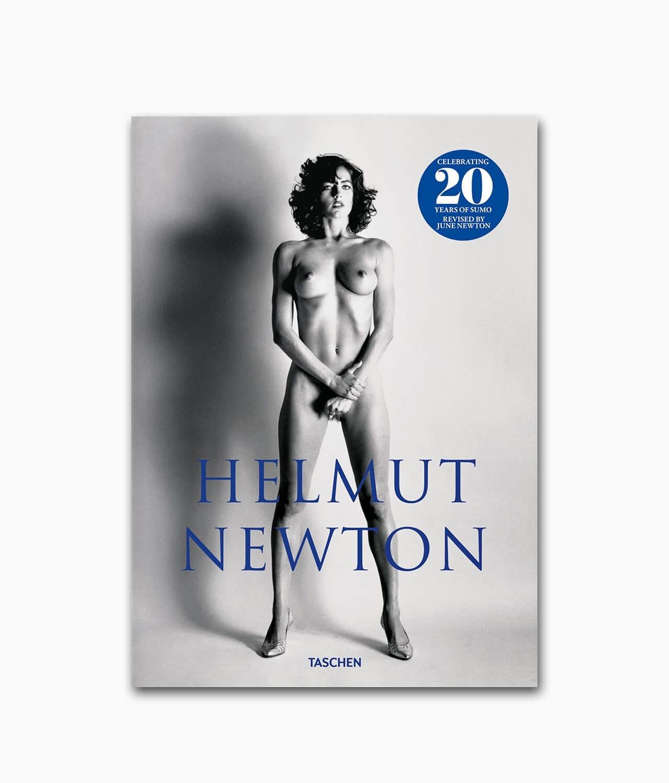 Cover des Fotografie Buches zum Them Aktfotografie über den berühmten Fotografen namens Helmut Newton SUMO aus dem TASCHEN Verlag