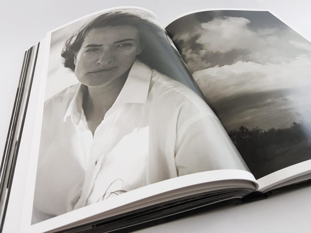 Peter Lindbergh Images of Women 2 Schirmer Mosel Verlag aufgeschlagener Bildband