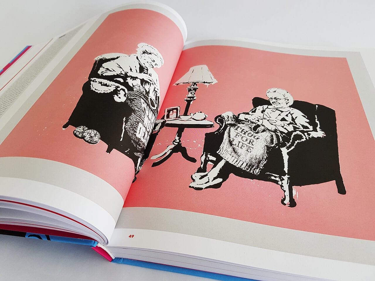 The Art of Banksy A Visual Protest Prestel Verlag aufgeschlagener Bildband