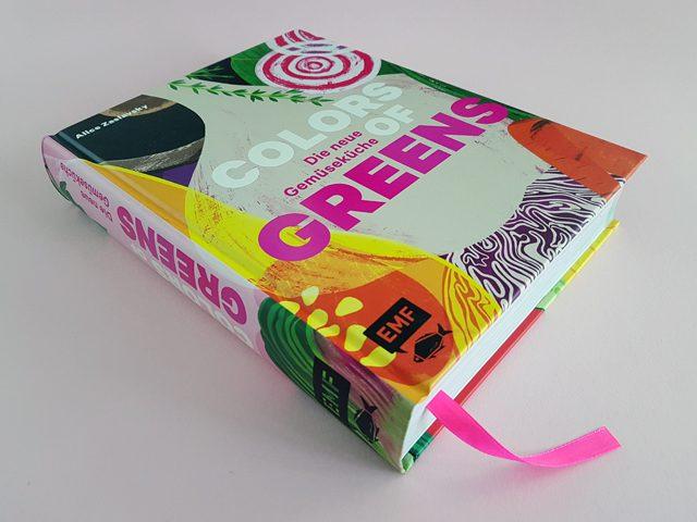 Colors of Greens Die neue Gemüseküche EMF Verlag Buchcover liegend