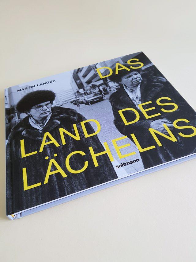 Das Land des Lächelns Seltmann Publishers Buchcover liegend