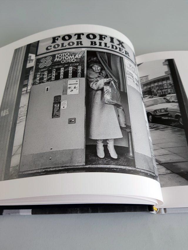 Das Land des Lächelns Seltmann Publishers aufgeschlagener Bildband