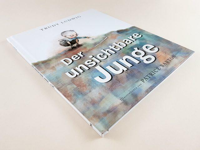 Der unsichtbare Junge Mentor Verlag Buchcover liegend