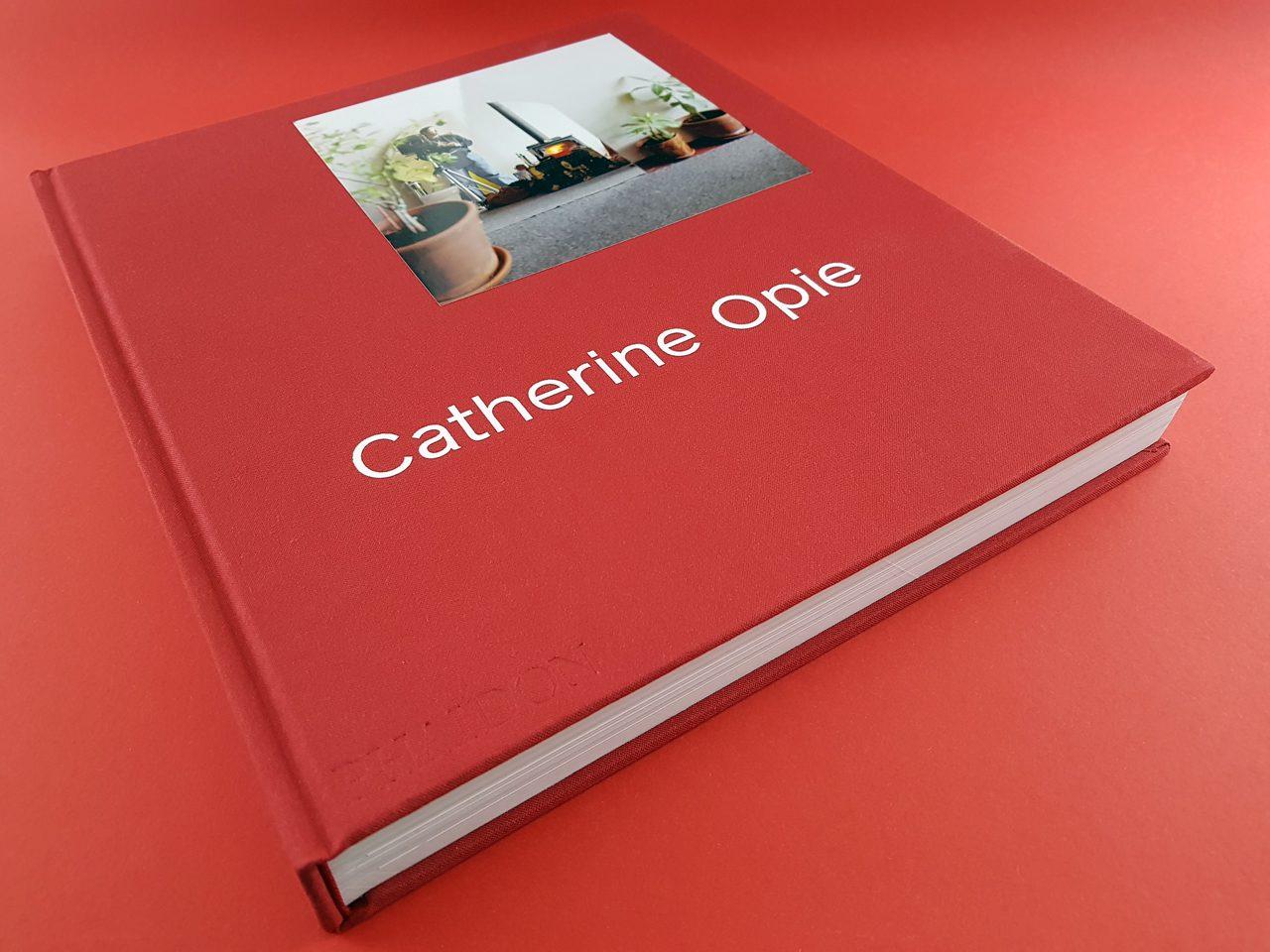Catherine Opie Phaidon Verlag Buchcover liegend