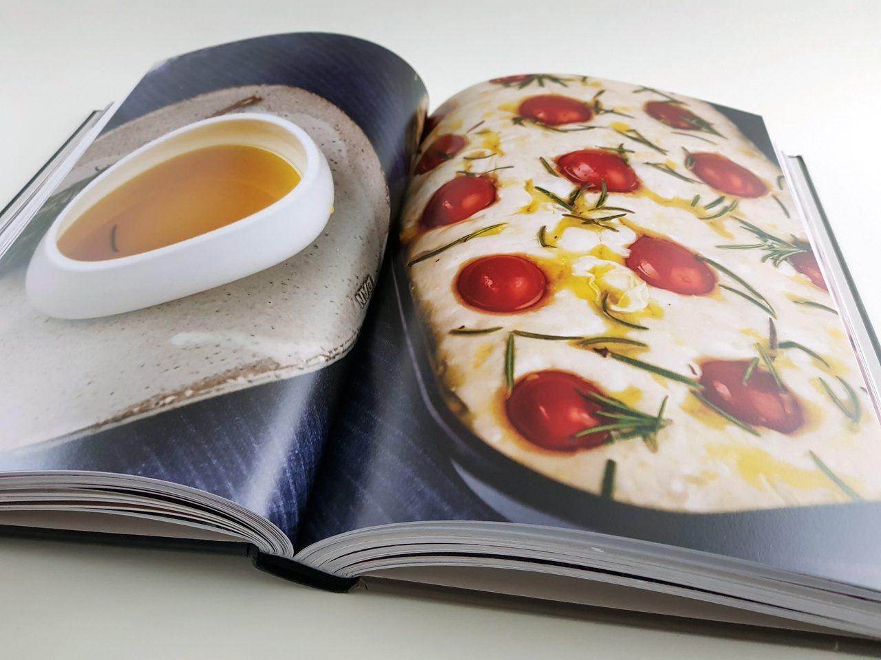 Noch verrückter nach Sauerteig Unimedica Verlag aufgeschlagener Bildband