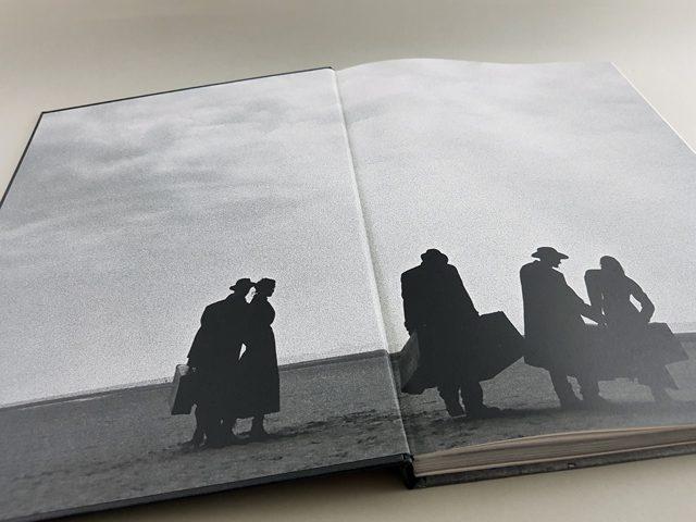 Peter Lindbergh. Azzedine Alaïa TASCHEN Verlag aufgeschlagenes Buch